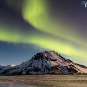 Mark Bauer Photography | Northern lights near Eystrahorn, Iceland