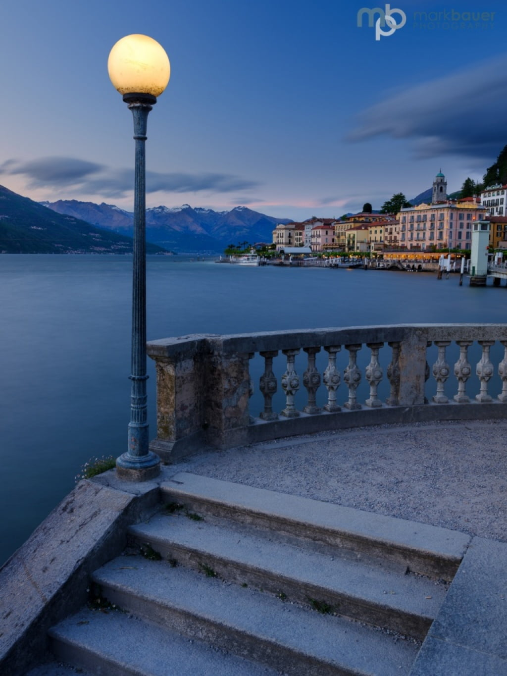 Mark Bauer Photography | Blue Hour, Bellagio, Lake Como