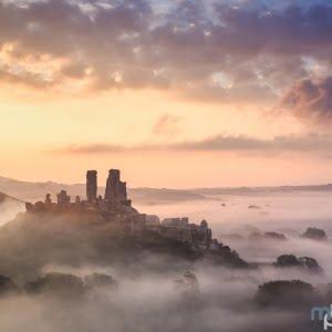 Mark Bauer Photography | Early autumn sunrise, Corfe Castle
