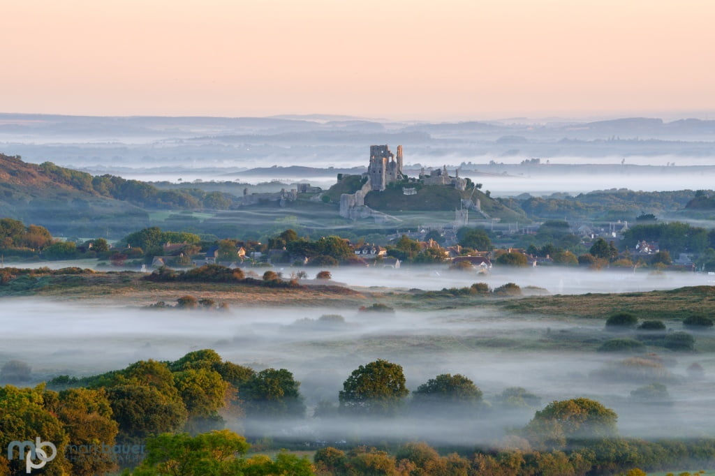 Mark Bauer Photography | Hints of autumn, Corfe Castle