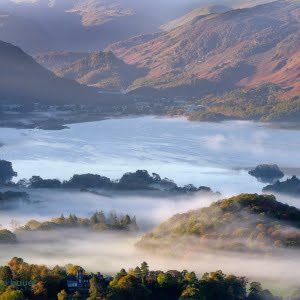 Mark Bauer Photography | Early morning mist over Derwent Water