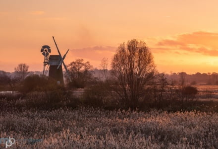 Mark Bauer Photography | Winter sunset, How Hill, Norfolk