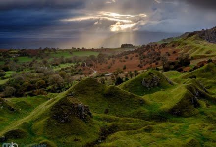 Mark Bauer Photography | Crepuscular Rays, Llangattock Escarpment